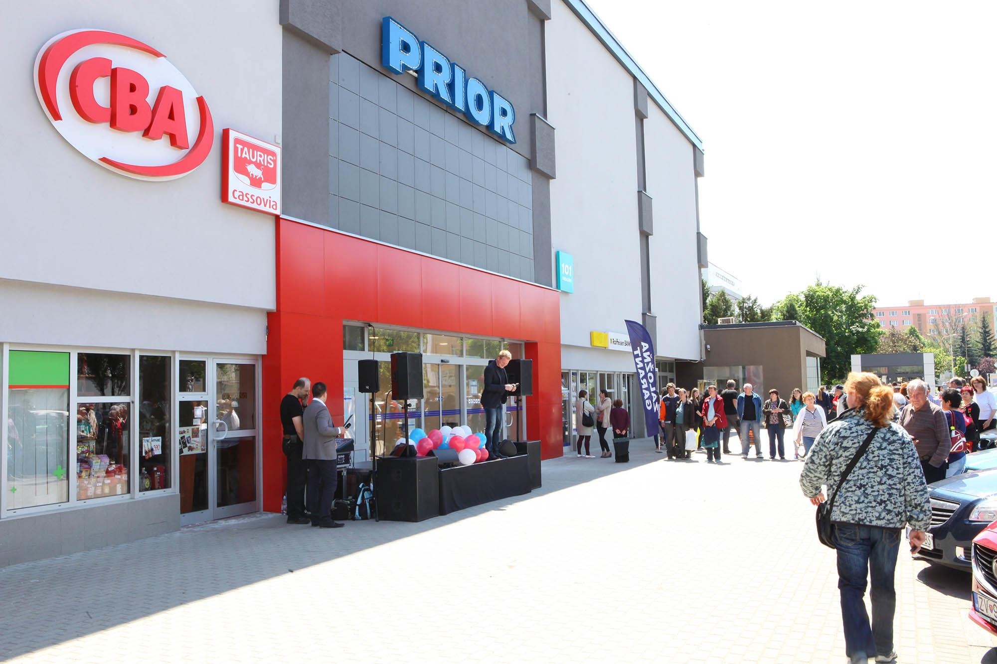 Otvorenie Obchodného domu PRIOR v Lučenci